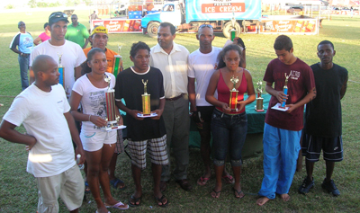 The recipients of prizes pose with Minister Anthony, moments after the presentation ceremony.
